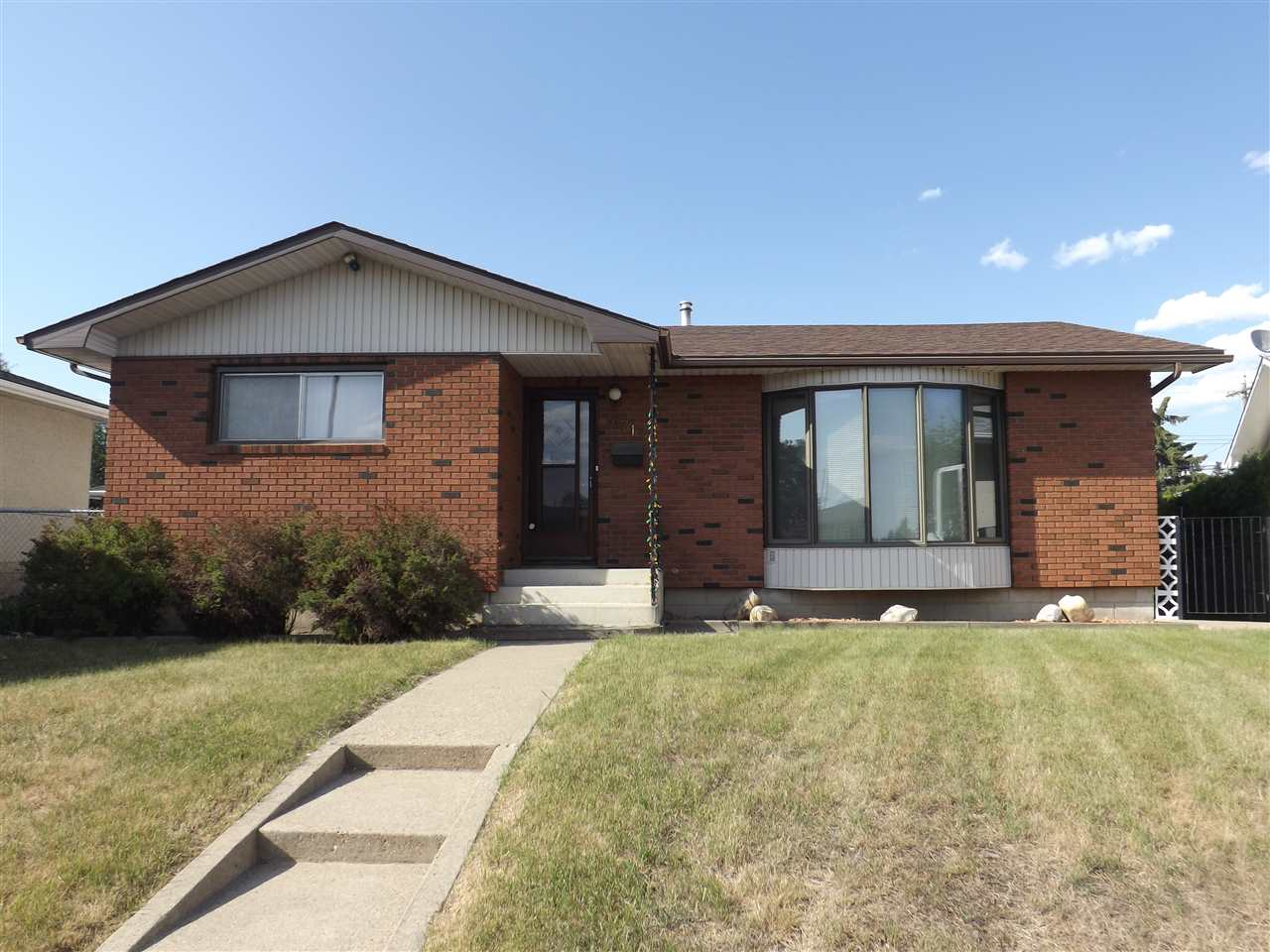 MLS® listing #E4145726 for sale located at 6712 136 Avenue