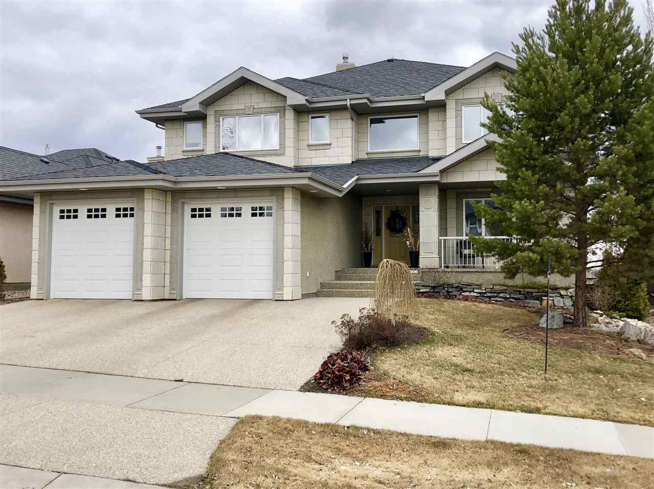 MLS® listing #E4145919 for sale located at 2306 MARTELL Lane