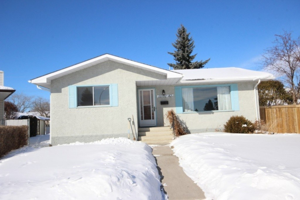 MLS® listing #E4145985 for sale located at 11732 42 Avenue