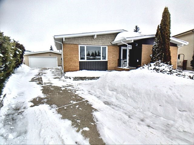 MLS® listing #E4146065 for sale located at 14136 70 Street