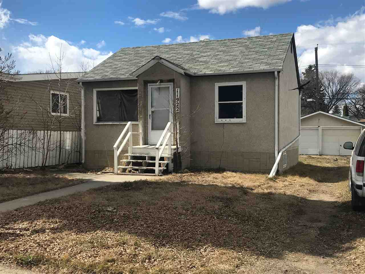 MLS® listing #E4146084 for sale located at 11922 40 Street