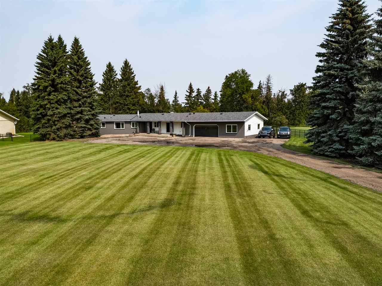 MLS® listing #E4146129 for sale located at 148 WOODBEND Wynd