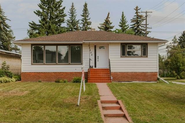 MLS® listing #E4146161 for sale located at 13528 106A Avenue