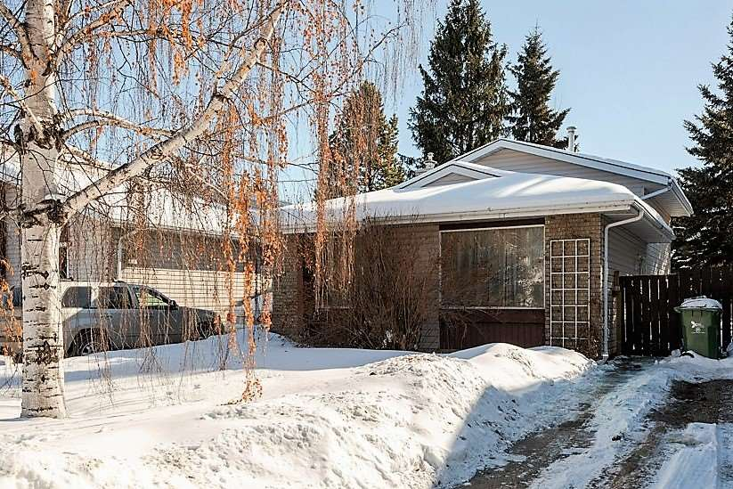 MLS® listing #E4146232 for sale located at 4911 43 Avenue