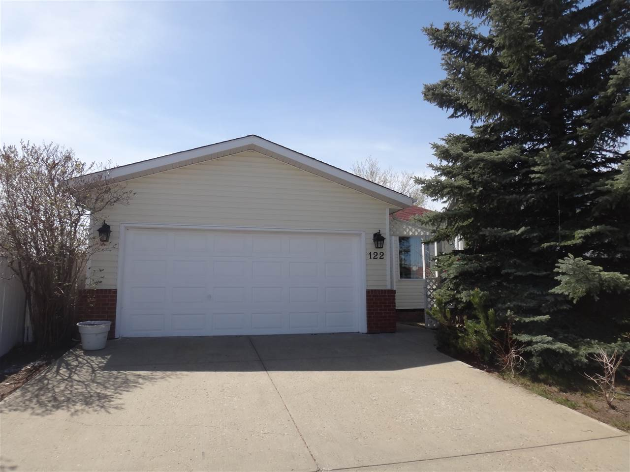 MLS® listing #E4146553 for sale located at 122 HOLLICK-KENYON Way