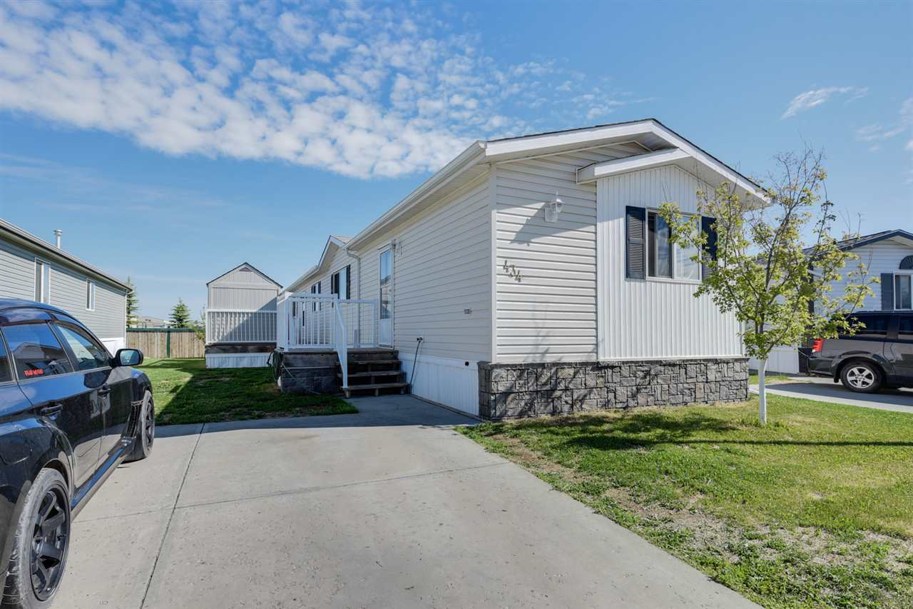 MLS® listing #E4146634 for sale located at 434 Oak Wood Crescent