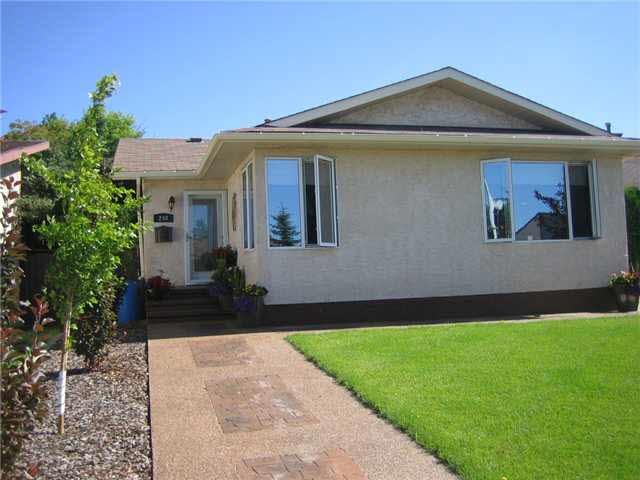MLS® listing #E4146641 for sale located at 240 WARWICK Road