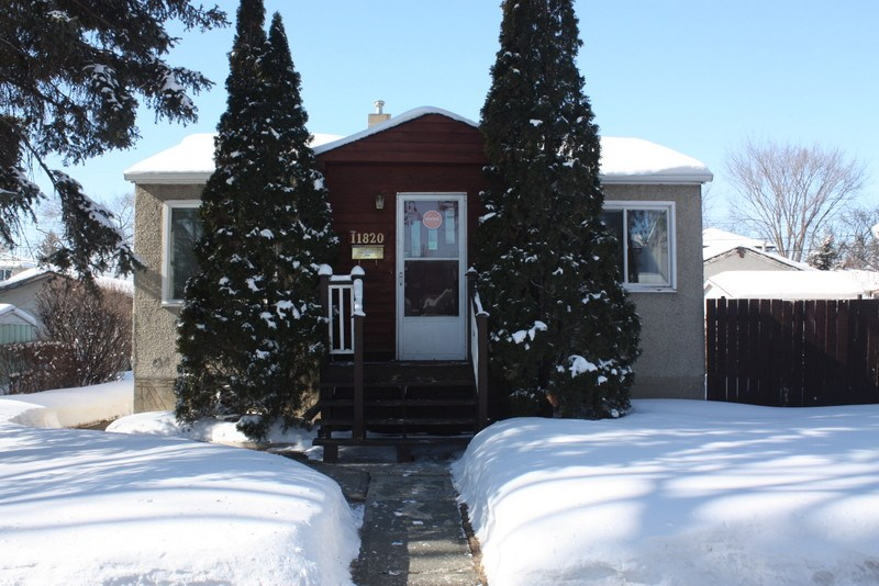 MLS® listing #E4146714 for sale located at 11820 55 Street