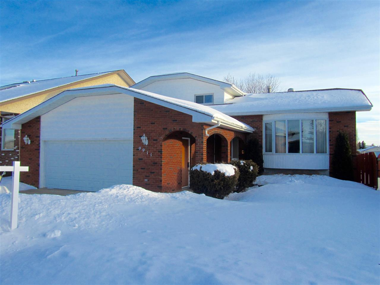 MLS® listing #E4146903 for sale located at 9911 162A Avenue