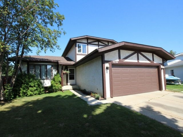 MLS® listing #E4147045 for sale located at 9236 172 Avenue