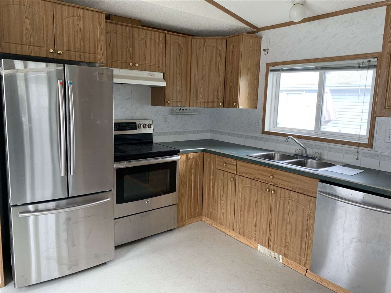 MLS® listing #E4147291 for sale located at 3143 10770 winterburn Road