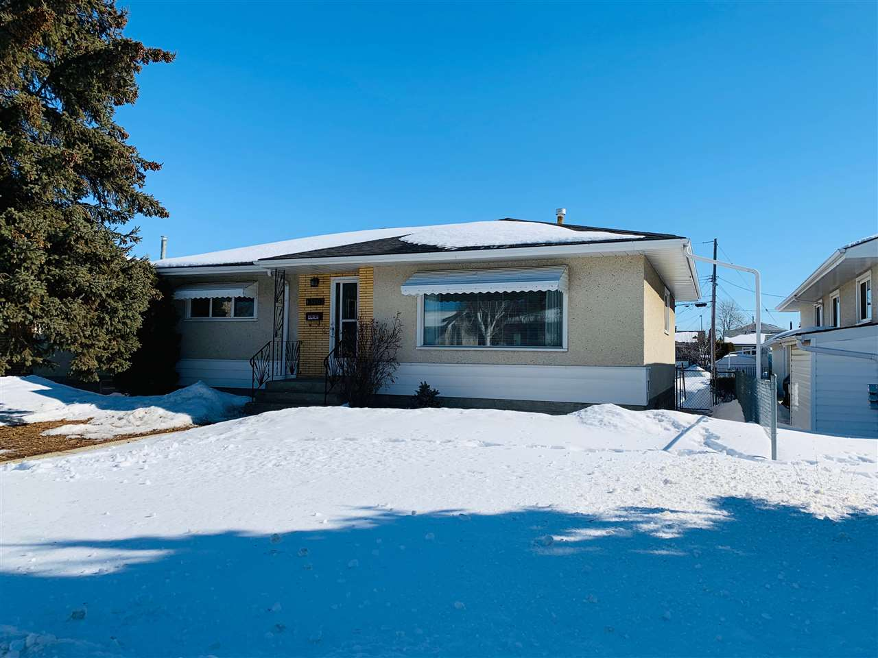 MLS® listing #E4147536 for sale located at 13207 70A Street