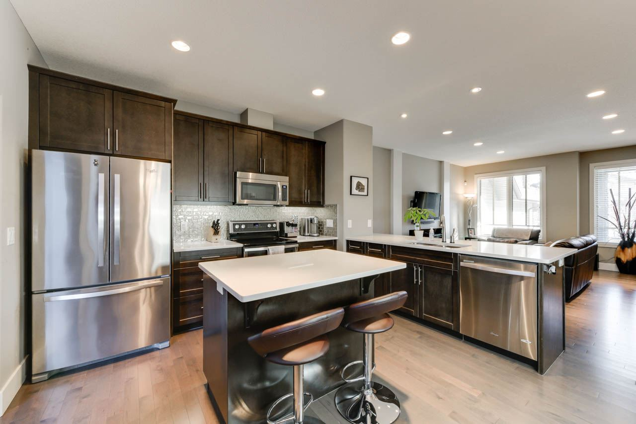 MLS® listing #E4147544 for sale located at 3238 ALLAN Way