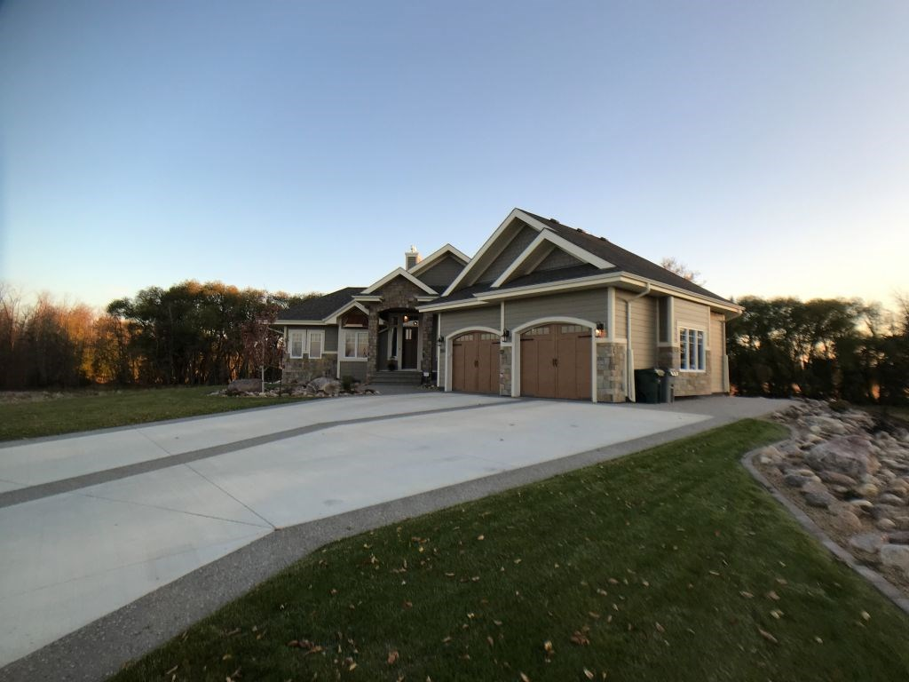 MLS® listing #E4147807 for sale located at 1064 Genesis Lake Boulevard