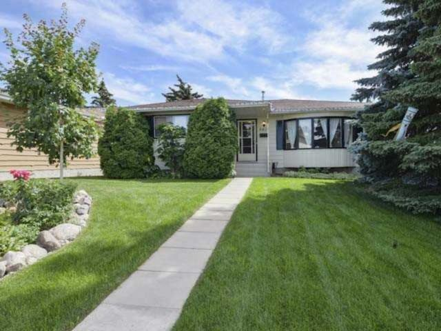 MLS® listing #E4147927 for sale located at 6419 37 Avenue