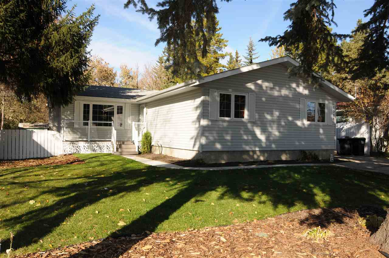 MLS® listing #E4147949 for sale located at 1988 GLENMORE Avenue