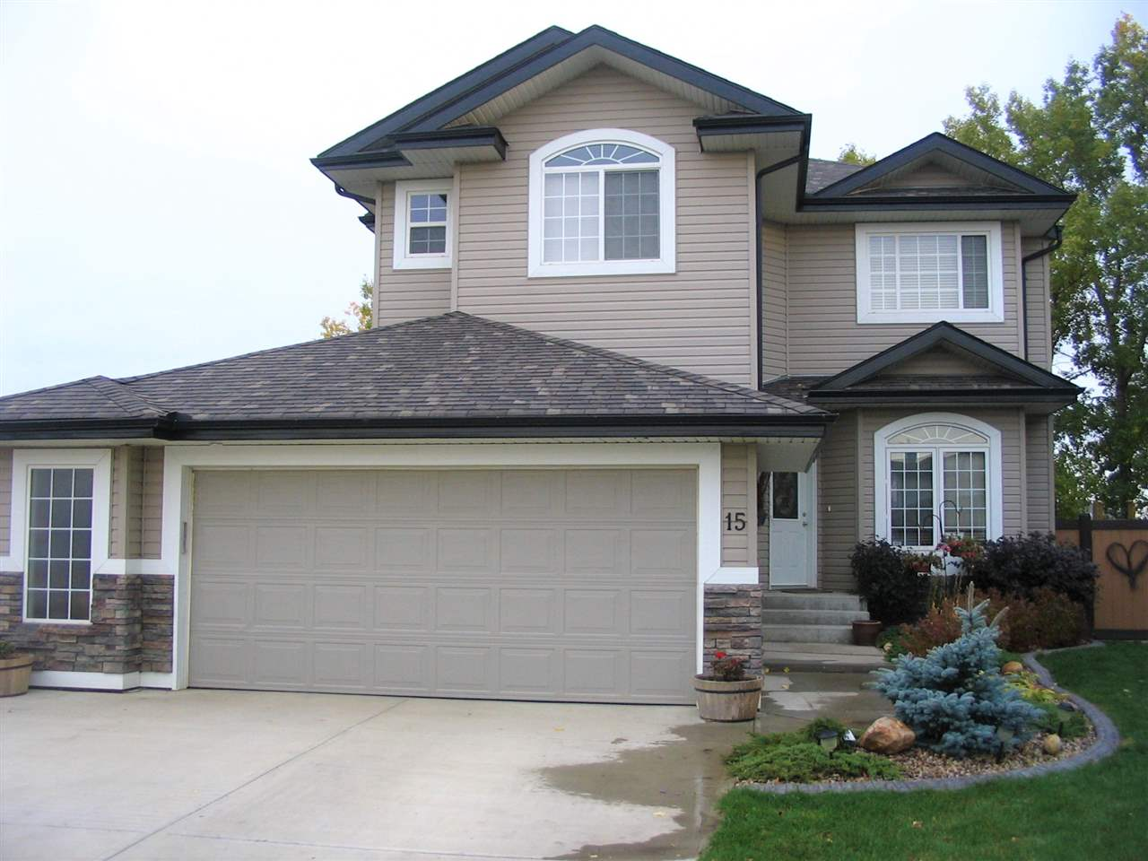MLS® listing #E4148465 for sale located at 15 NORFOLK Close