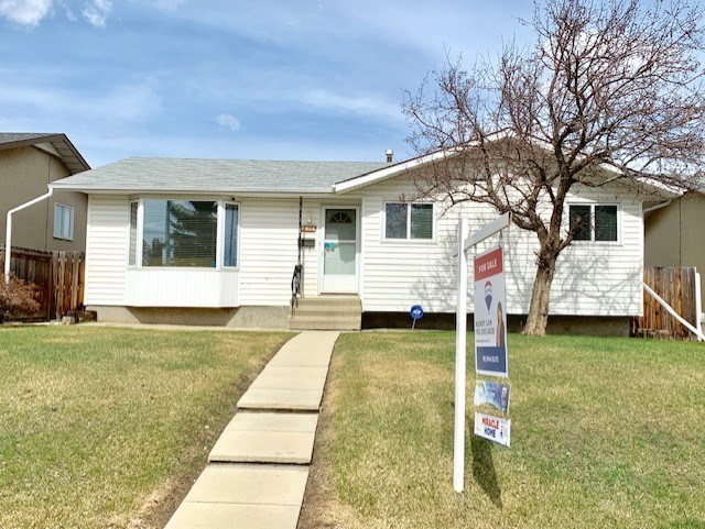 MLS® listing #E4148505 for sale located at 8804 137 Avenue