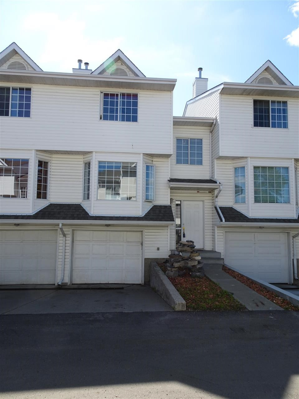 MLS® listing #E4150319 for sale located at 9441 156 Street