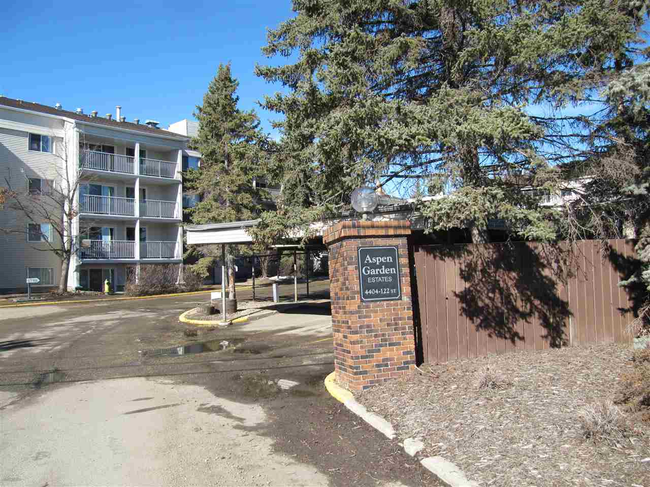 MLS® listing #E4150961 for sale located at 303 4404 122 Street