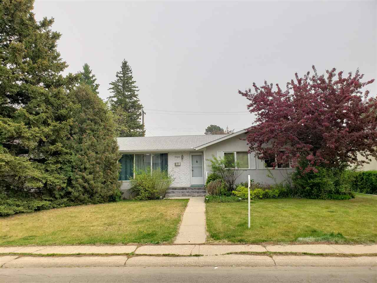 MLS® listing #E4151748 for sale located at 11911 41A Avenue