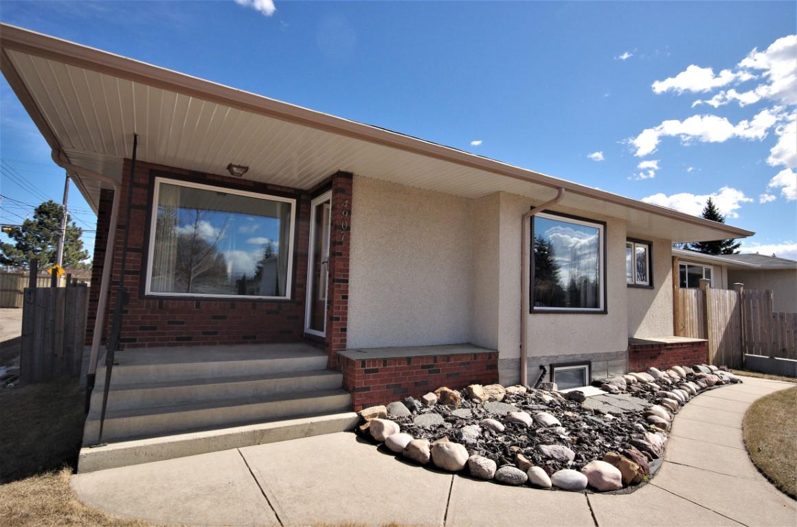 MLS® listing #E4151827 for sale located at 4907 111A Street