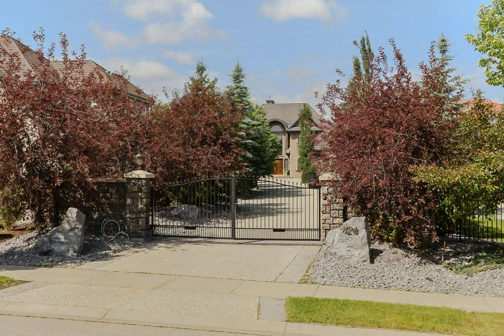MLS® listing #E4151880 for sale located at 1124 119 Street