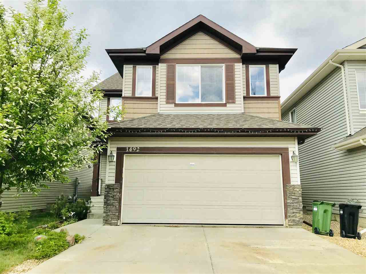 MLS® listing #E4152210 for sale located at 1492 37C Avenue