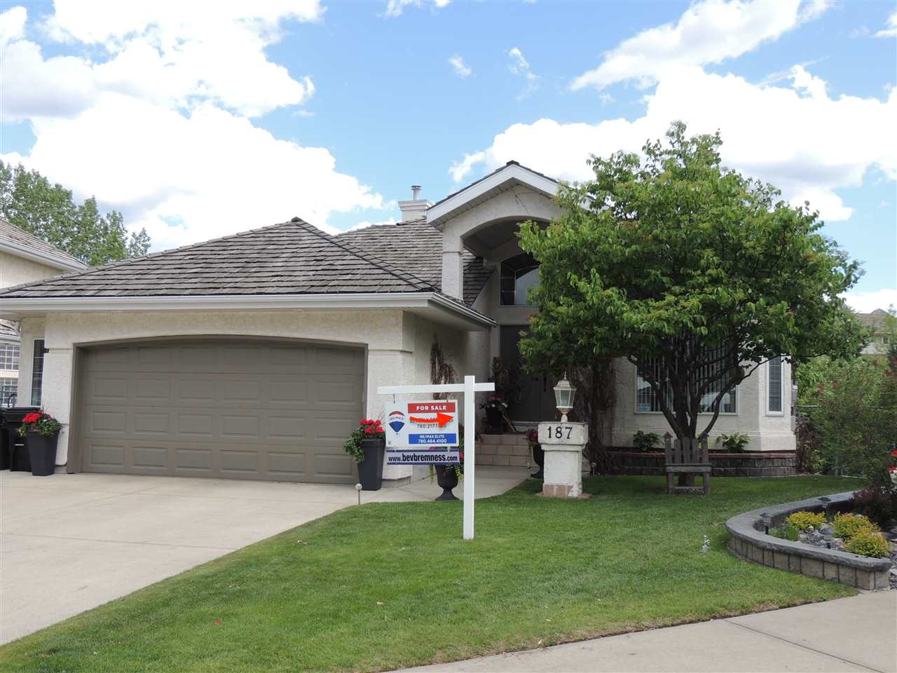 MLS® listing #E4152992 for sale located at 187 NORWICH Crescent