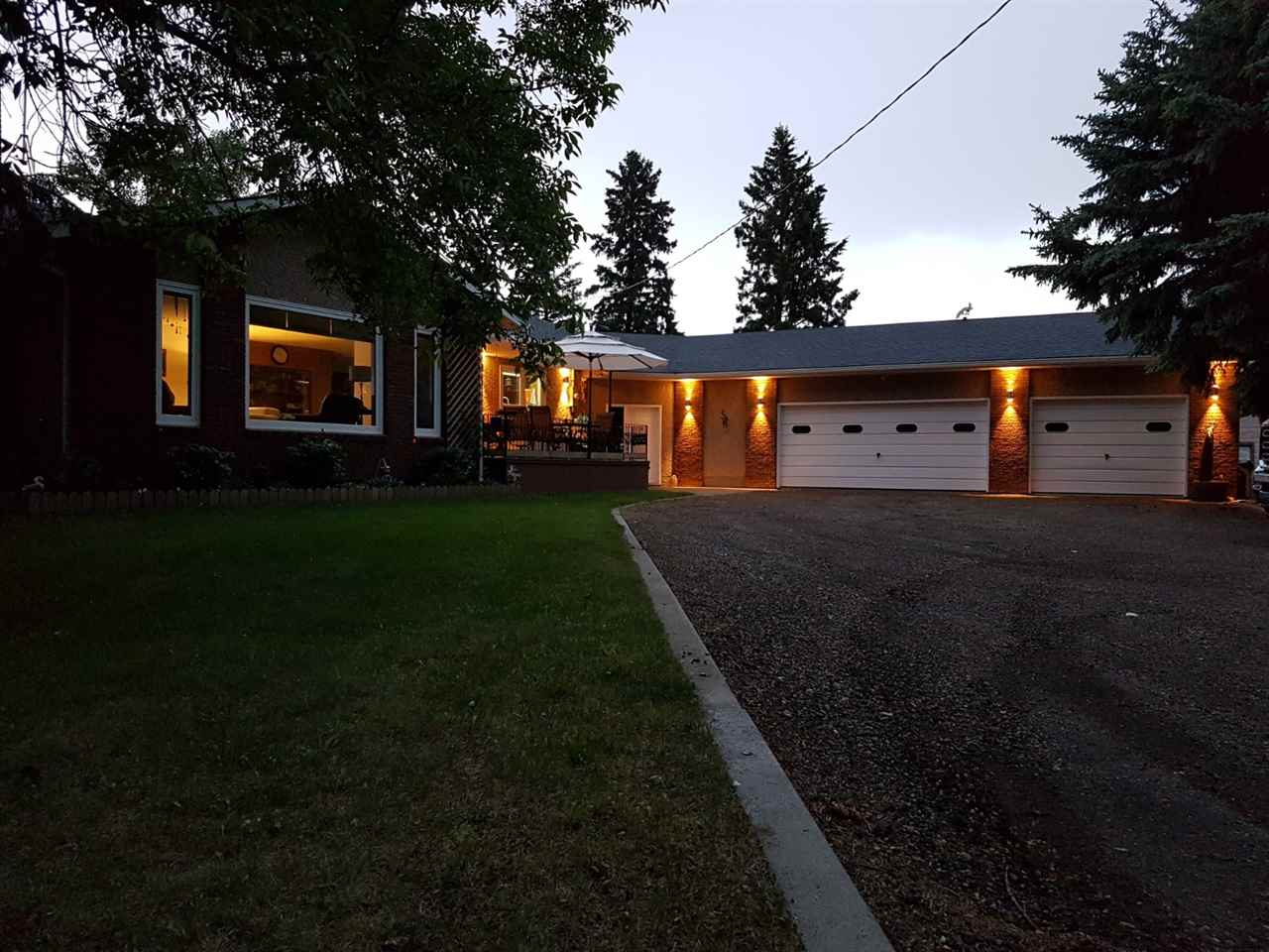 MLS® listing #E4153070 for sale located at 26 26 Lindale Park