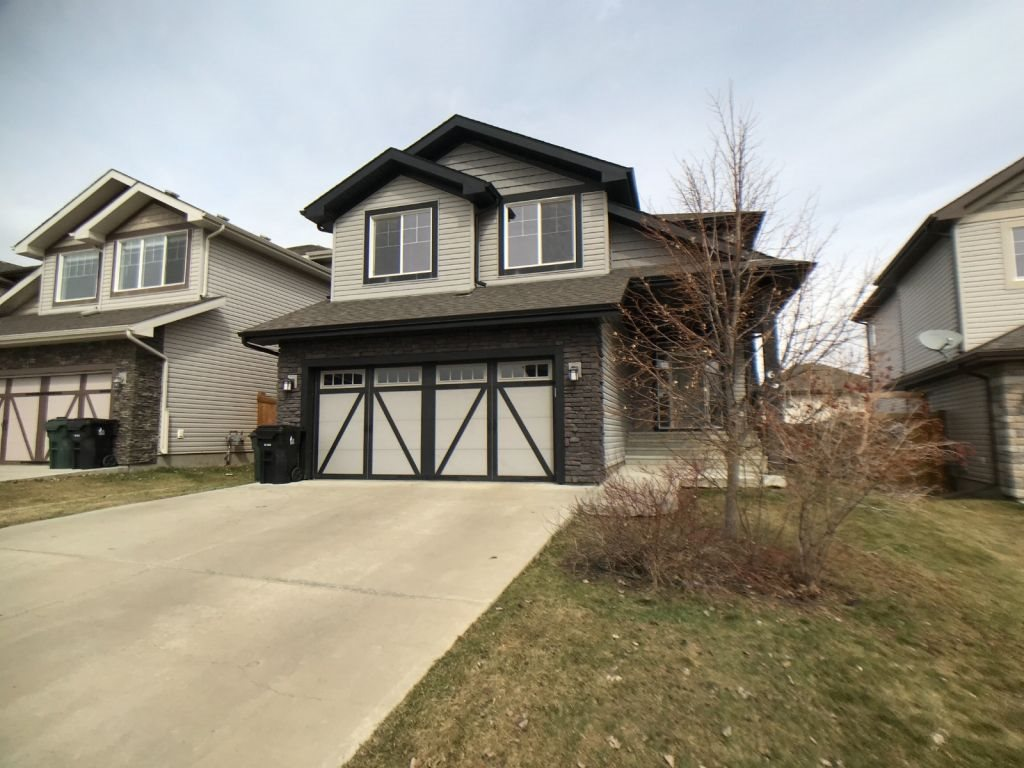 MLS® listing #E4153381 for sale located at 66 Voleta Court