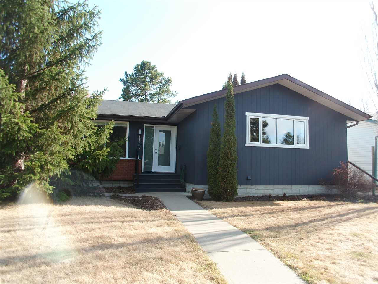 MLS® listing #E4153807 for sale located at 11735 37a Avenue