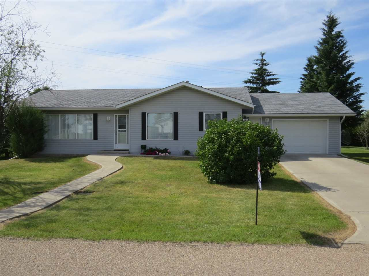 MLS® listing #E4154843 for sale located at 4708 50 Street