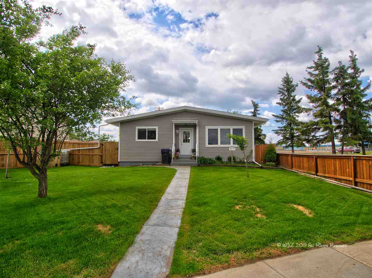 MLS® listing #E4155398 for sale located at 4619 50A Avenue