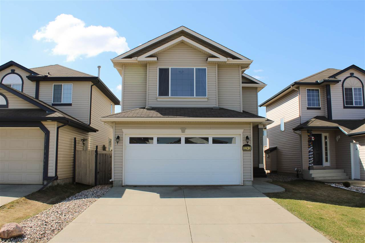 MLS® listing #E4155782 for sale located at 3243 27 Avenue