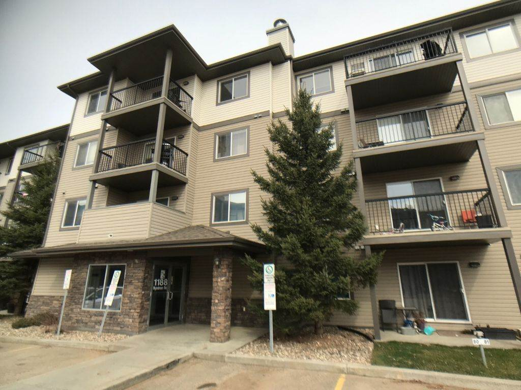 MLS® listing #E4156412 for sale located at 404 1188 Hyndman Road