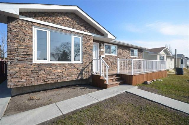 MLS® listing #E4156481 for sale located at 6132 137 Avenue