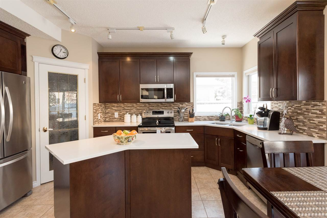 MLS® listing #E4156591 for sale located at 706 ORMSBY Road W
