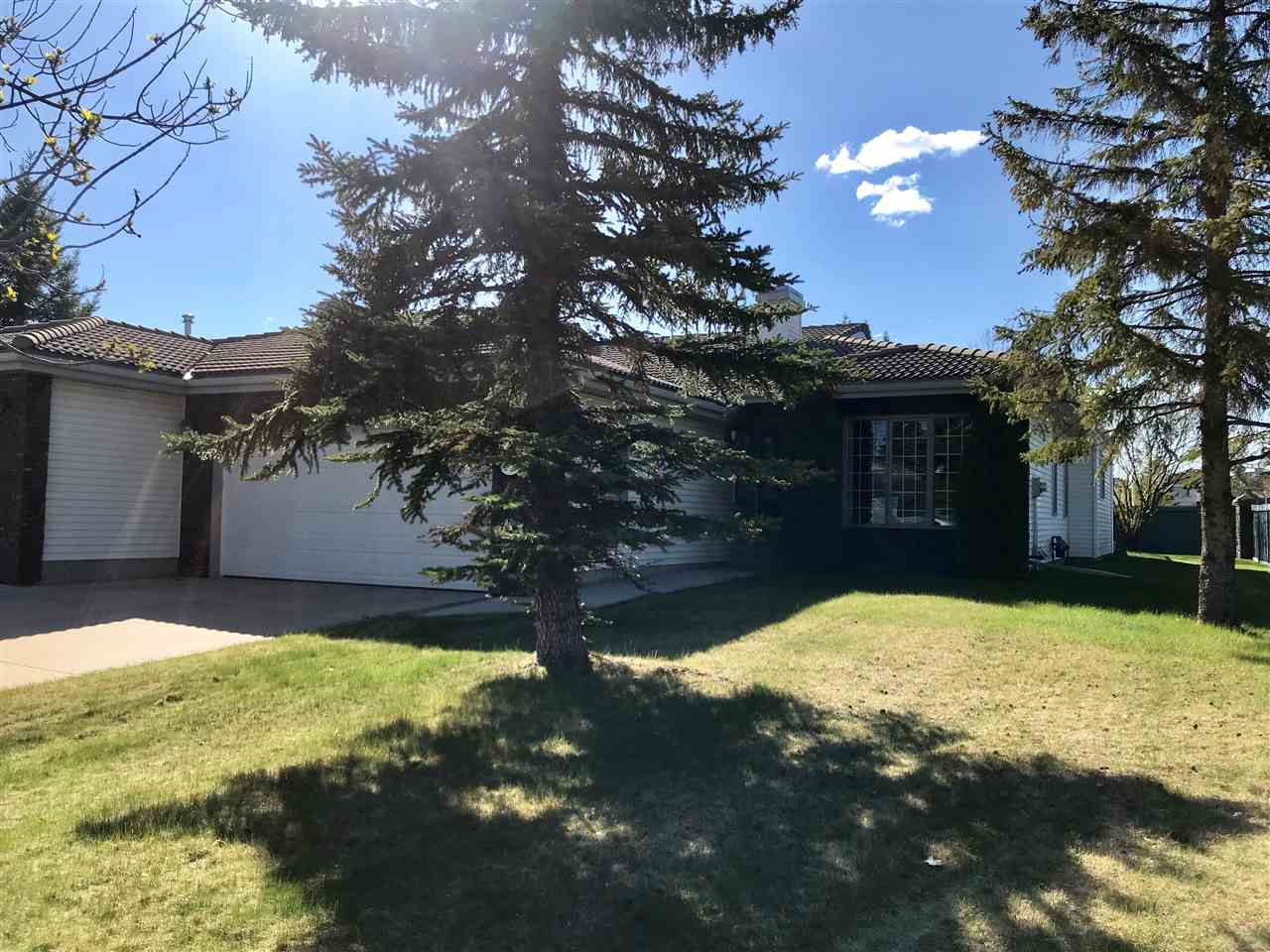 MLS® listing #E4156746 for sale located at 238 COUNTRY CLUB Point(e)
