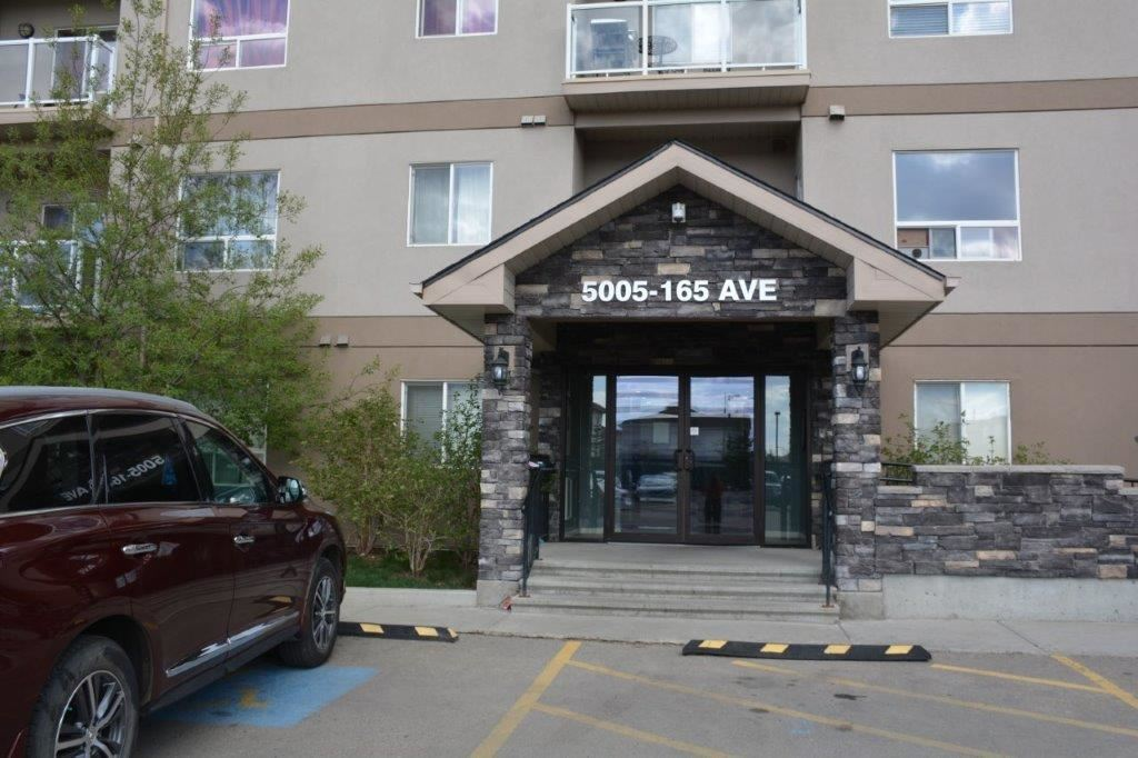 MLS® listing #E4156851 for sale located at 224 5005 165 Avenue NW