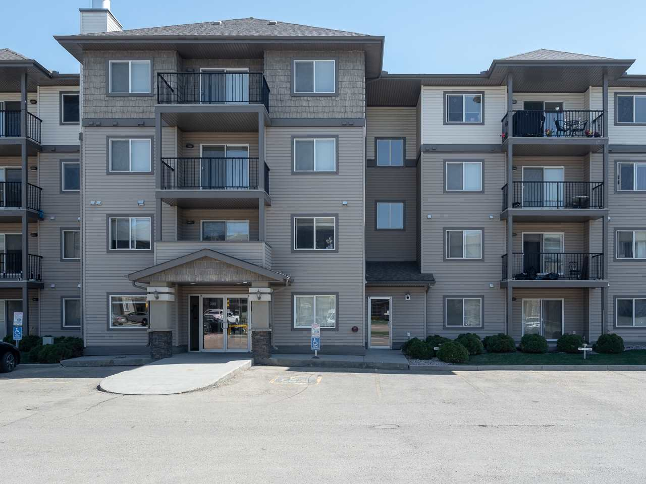 MLS® listing #E4156901 for sale located at 316 309 CLAREVIEW STATION Drive