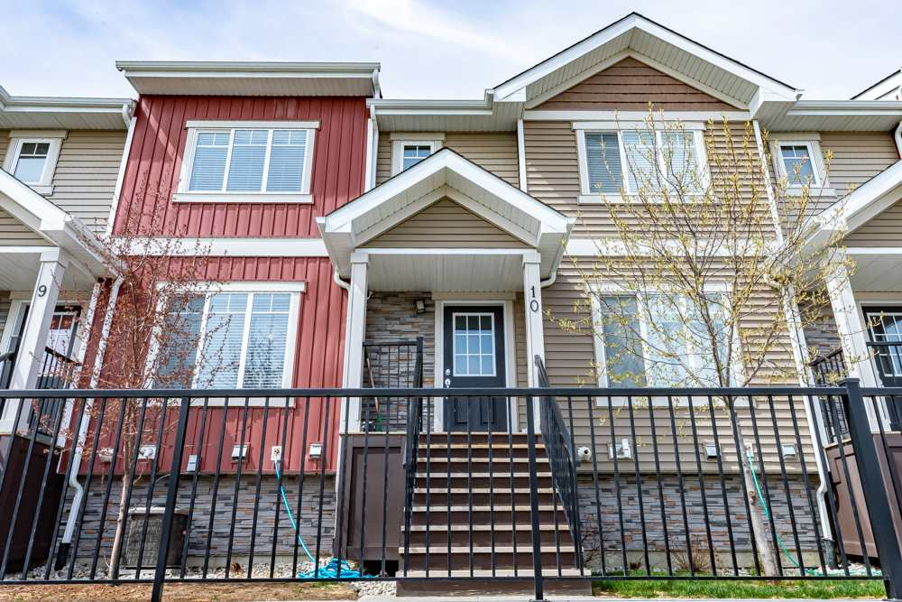 MLS® listing #E4157253 for sale located at 10 13810 166 Avenue