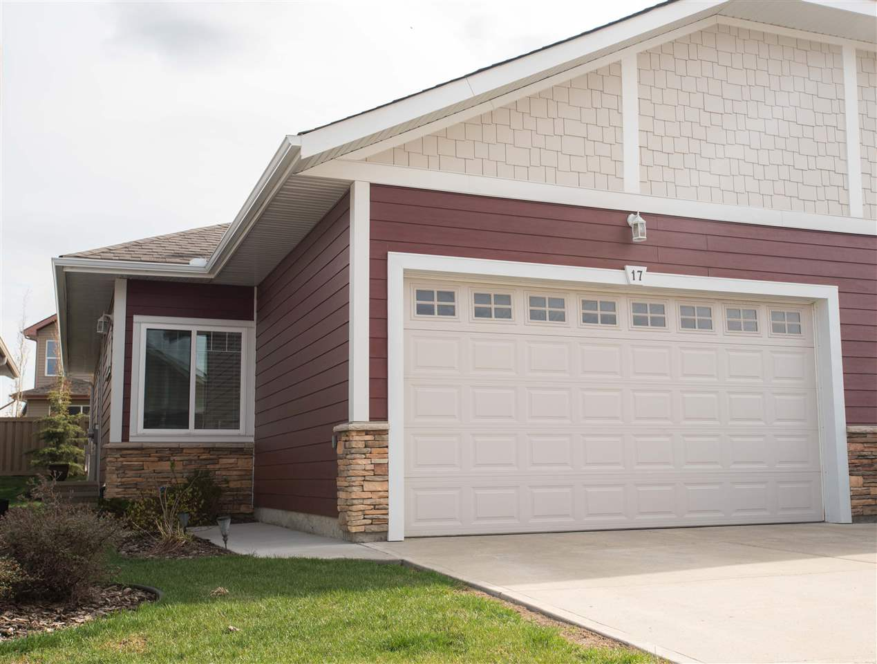 MLS® listing #E4157318 for sale located at 17 175 MCCONACHIE Drive NW
