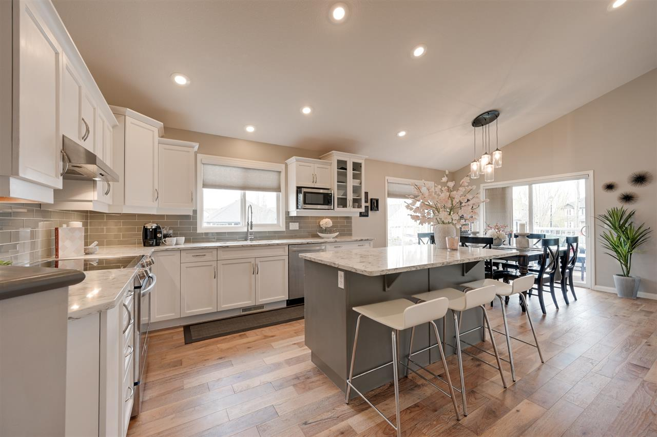 MLS® listing #E4157640 for sale located at 5104 COUR CHATEAU Court