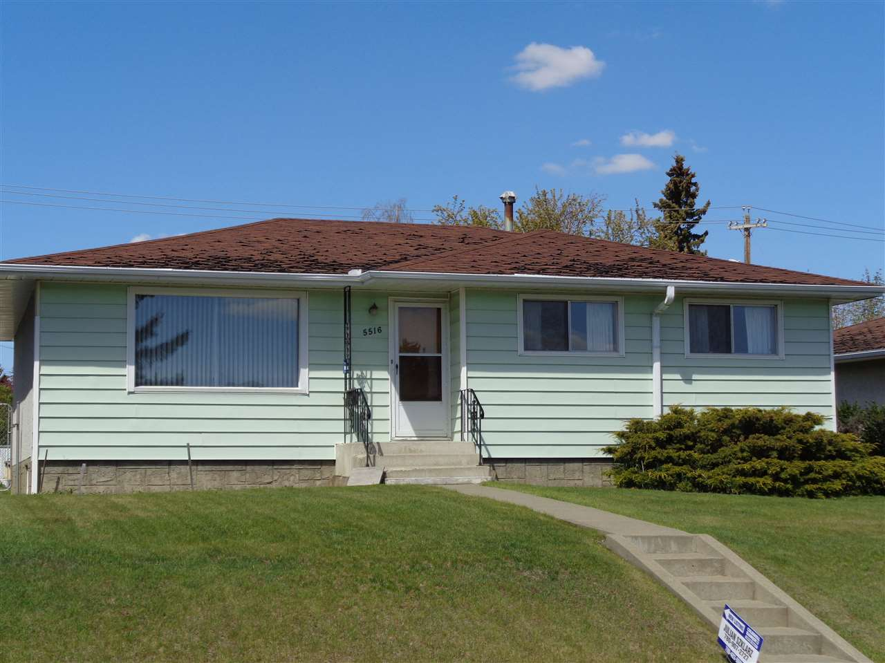 MLS® listing #E4157671 for sale located at 5516 140A Avenue