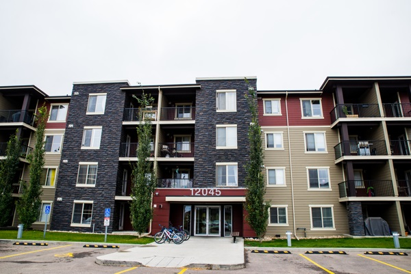 MLS® listing #E4158260 for sale located at 403 12045 22 Avenue