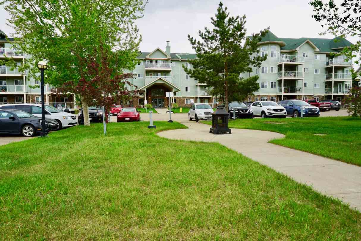 MLS® listing #E4158592 for sale located at 209 9995 93 Avenue