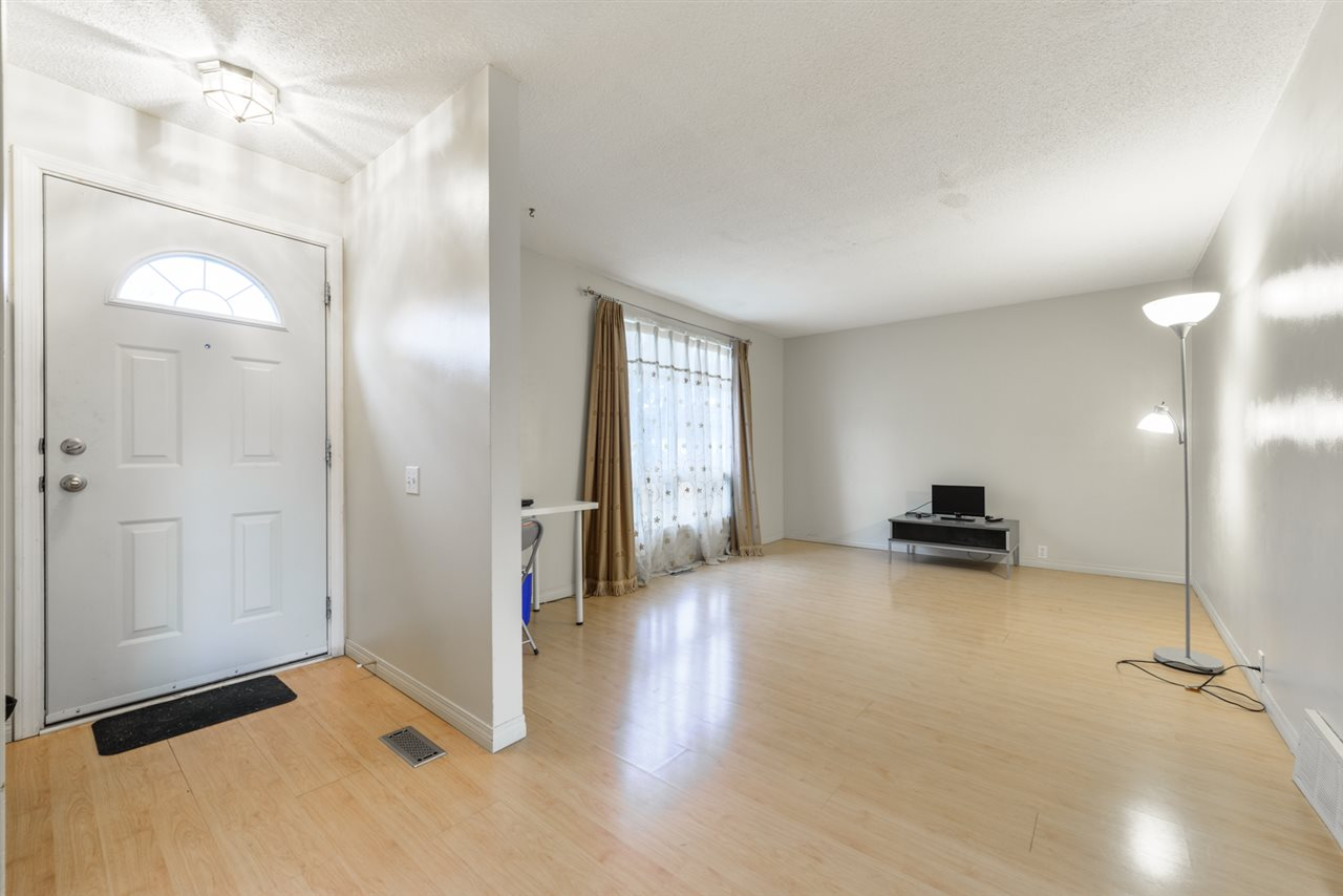 MLS® listing #E4158681 for sale located at 162 MAYFAIR Mews