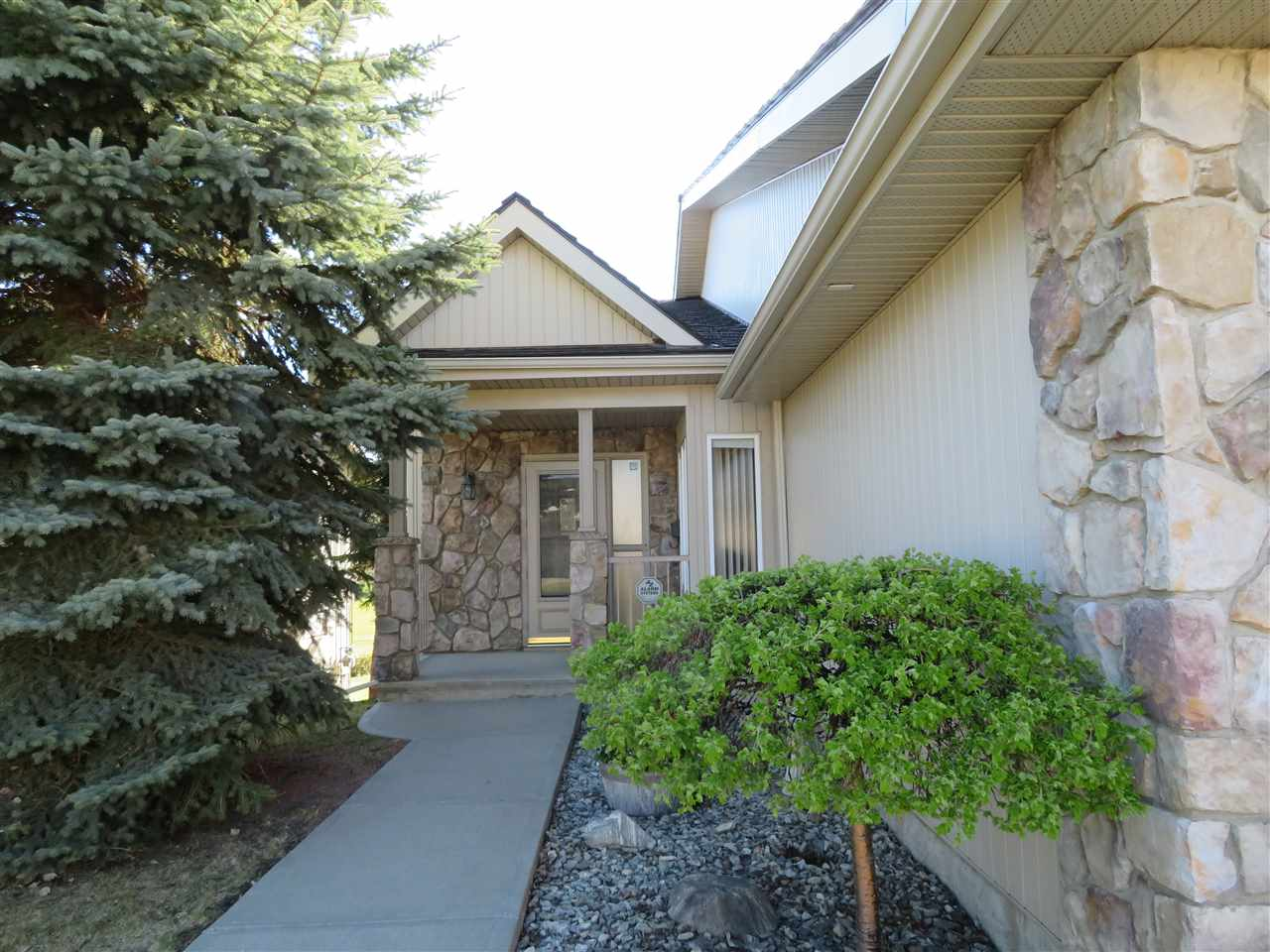 MLS® listing #E4158763 for sale located at 45 929 PICARD Drive