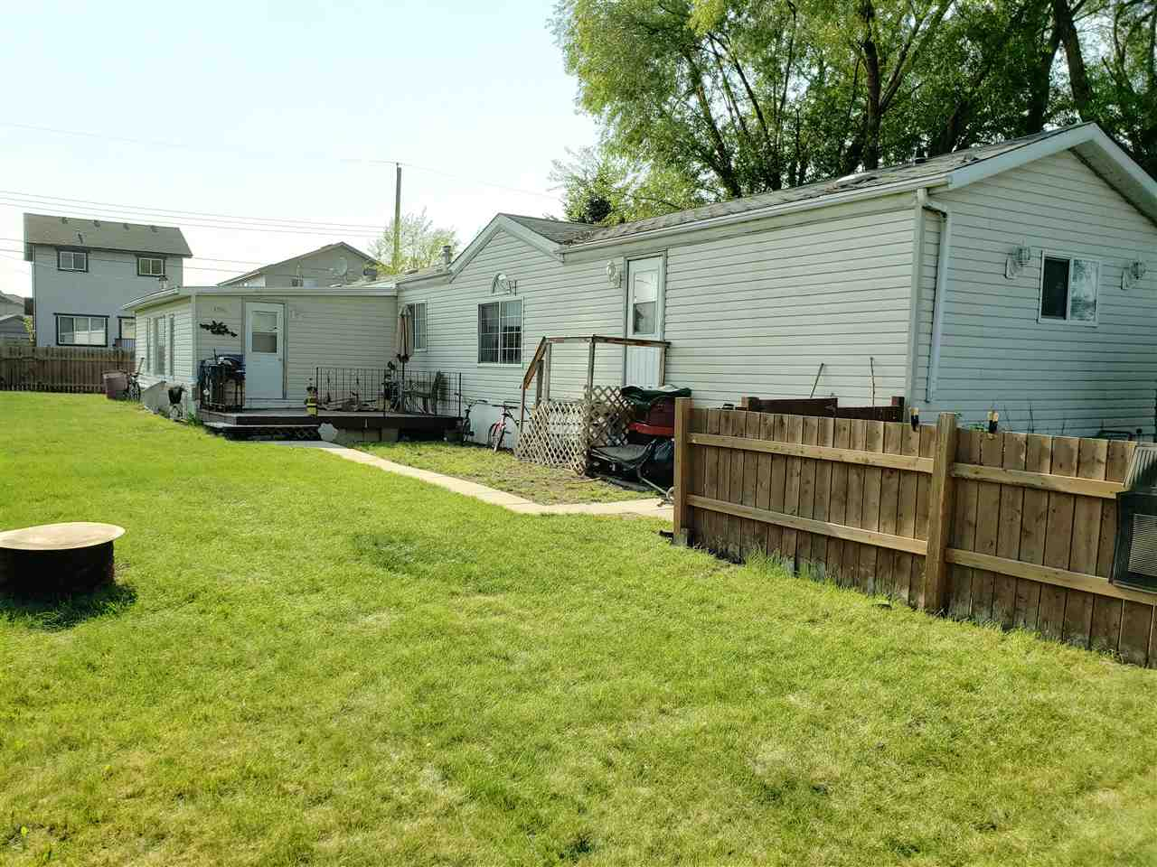 MLS® listing #E4159172 for sale located at 4704 52